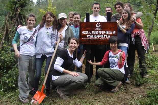2010-09-25-Project-Panda-day-4-China-Panda-Valley-053